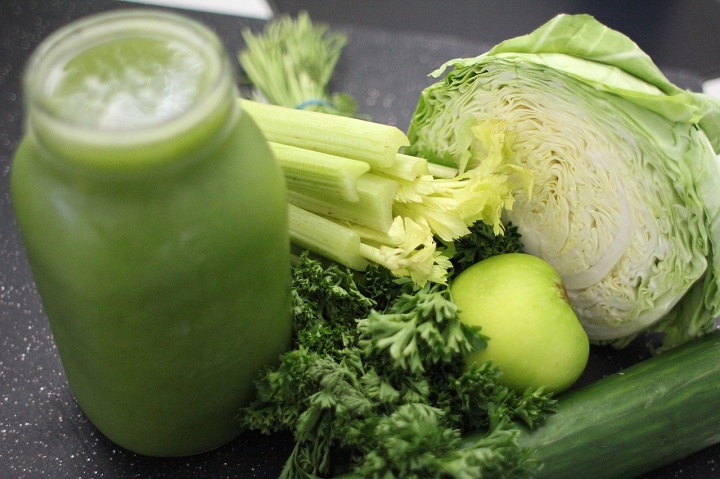 green-juice-and-cauliflower