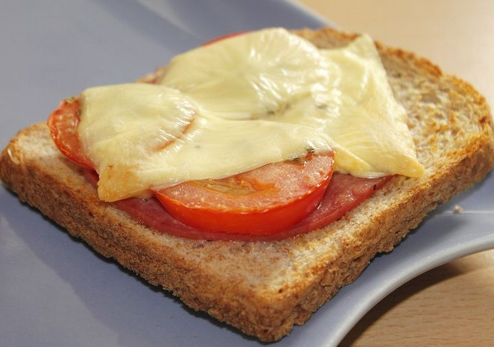 cheese-toast-healthy-breakfast-recipe-for-indian-for-weight-loss