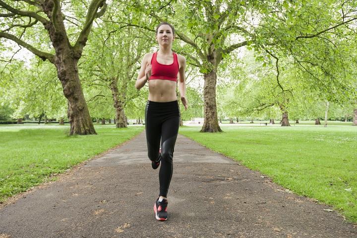 women-running-in-a-park
