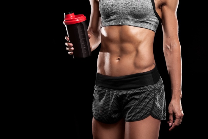 Women-with-Creatine-Supplement